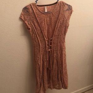 Dresses & Skirts - Light pink lacy dress